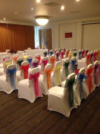 Holiday Inn Leeds Brighouse: wedding room