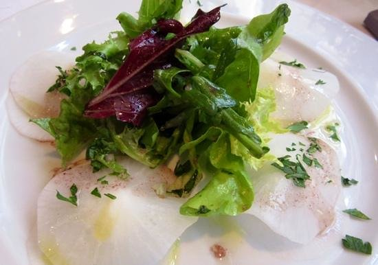Le Taxi Jaune : Radish slices with soft cheese in between