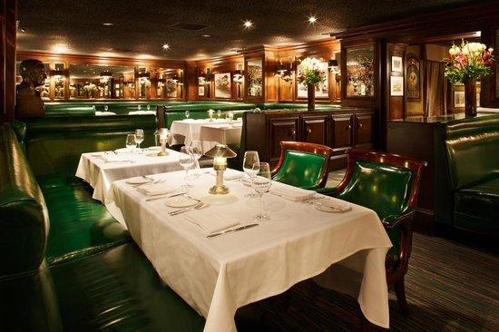 The Scarlet Huntington: Big 4 Dining Area