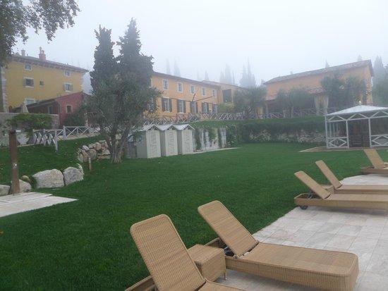 Villa Cordevigo Wine Relais : courtyard / garden
