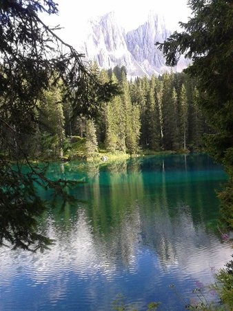 Wellness Hotel Savoy: Lago di Carezza al top