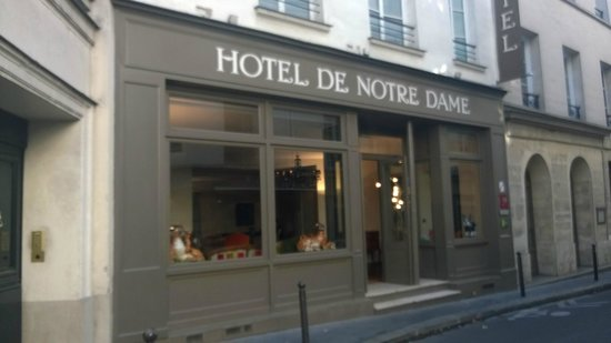 "Hotel de Notre Dame ""Maitre Albert"": Nice and easy to find"