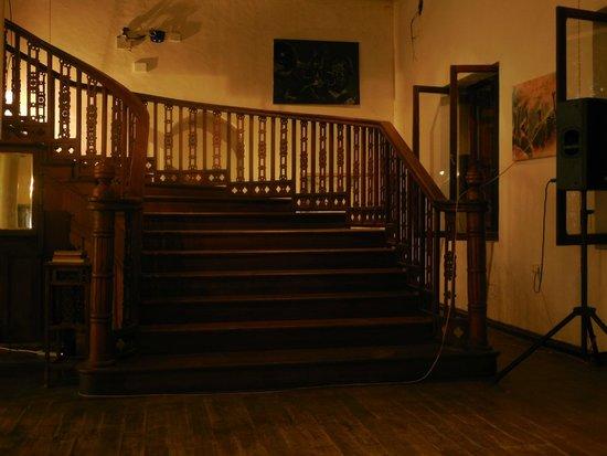Livingstone Beach Restaurant: The staircase