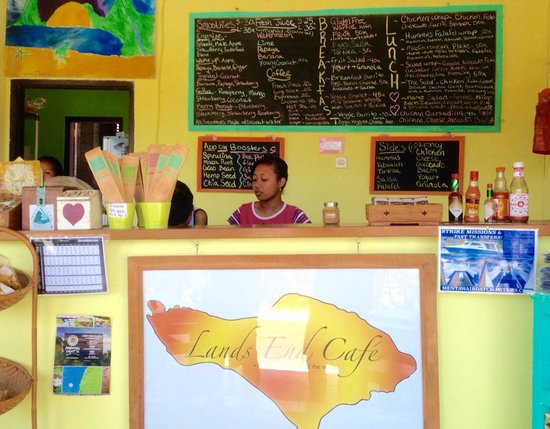Land's End Cafe: OK service, but great smoothies and nice light meals.