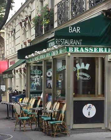 Hotel Paris Gambetta : Strasse mit Hotel im Hintergrund