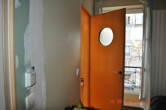 U0434 U0432 U0435 U0440 U044c - Picture Of Tingis Hotel  Paris