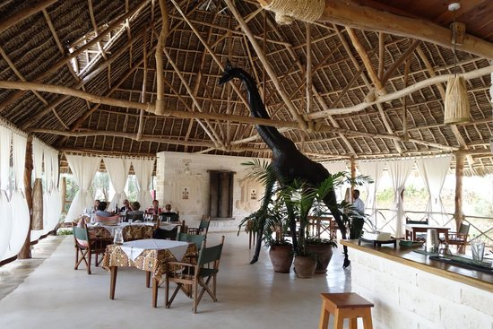 The Charming Lonno Lodge: Dining area