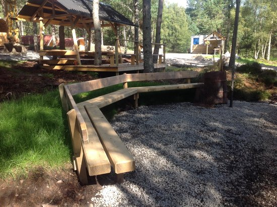 Camping Pod Heaven: Seating around fire