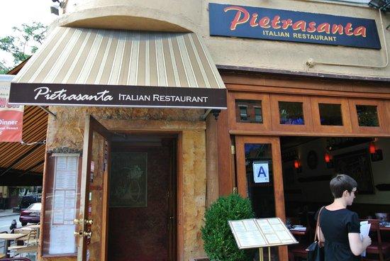 Pietrasanta Restaurant: Фасад ресторана