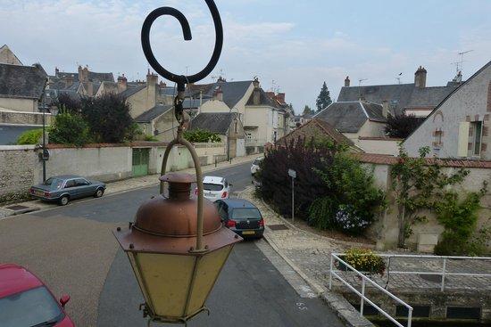Le Relais des Templiers : vista da lanterna de rua e da cidade