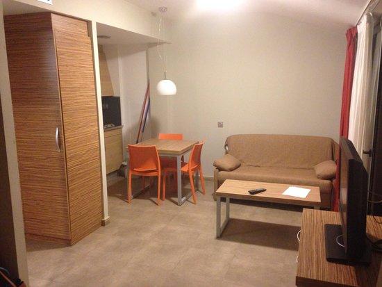 Odissea Park Apartaments: Dining area