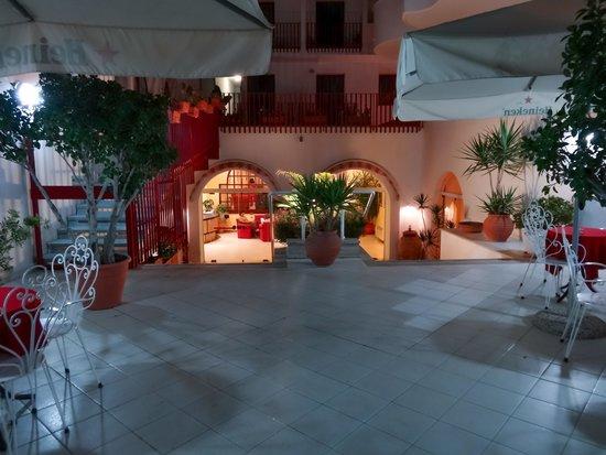 Hotel Albatros: Reception area
