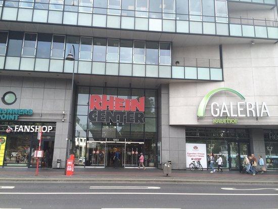 fashion show in the mall picture of rhein center koln weiden cologne tripadvisor. Black Bedroom Furniture Sets. Home Design Ideas