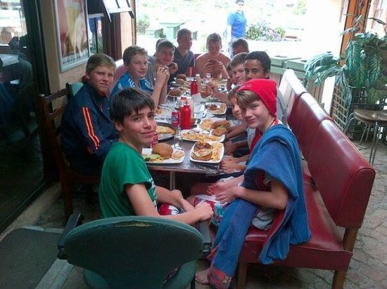 Die Rooibier Restaurant and Pub: Kids having an awesome day in Pearly Beach  @ Die Rooibier