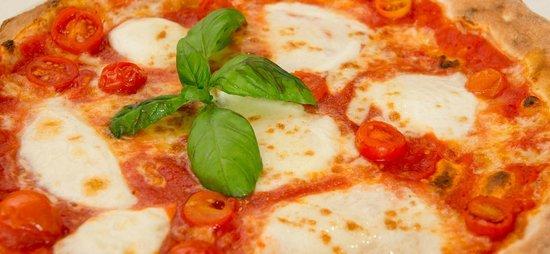 Restaurant Pizzeria Maruzzella: Bufalina / Pizza with buffalo milk mozzarella
