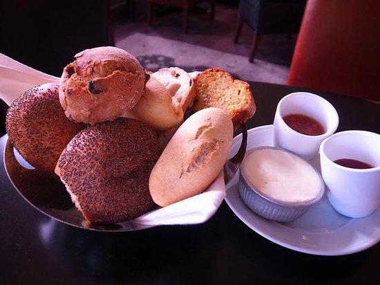 Hotel Montefiore : Bread
