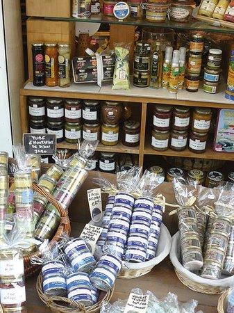 L'epicerie du Terroir, 26 Rue Lepic,  Montmartre: Des idées cadeaux pour les gourmands