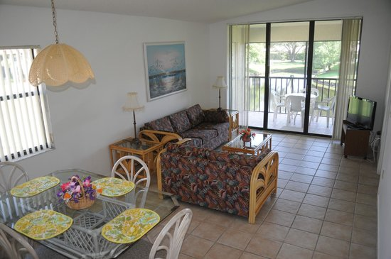 Shorewalk Vacation Villas: Grand salon