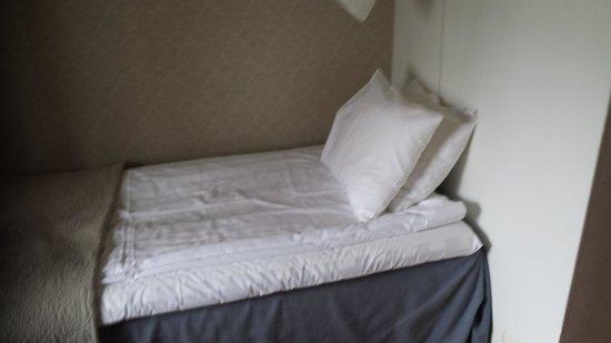 Hotel Slottshotellet : small bed