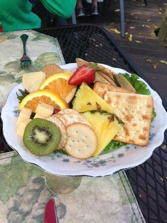 Wild Plum Tea Room: Fruit and Cheese Platter