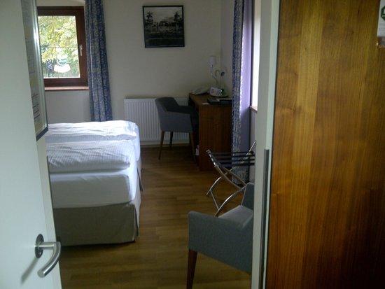 Hotel Restaurant Kaiserhof: Schreibtisch