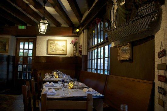 Restaurant du Vieux-Lausanne et Bar Giraf : very cosi inside