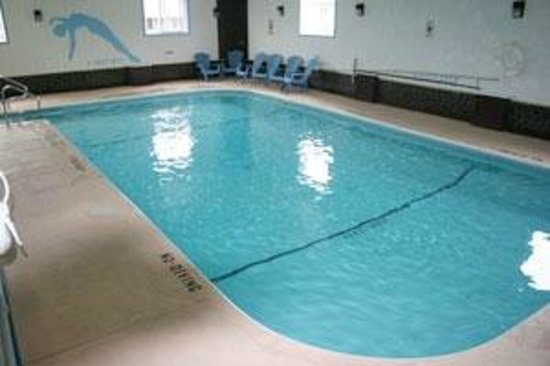 Clarks Beach Motel: Indoor heated pool open year round