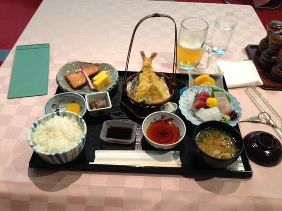 Narita Airport Rest House: Very good food