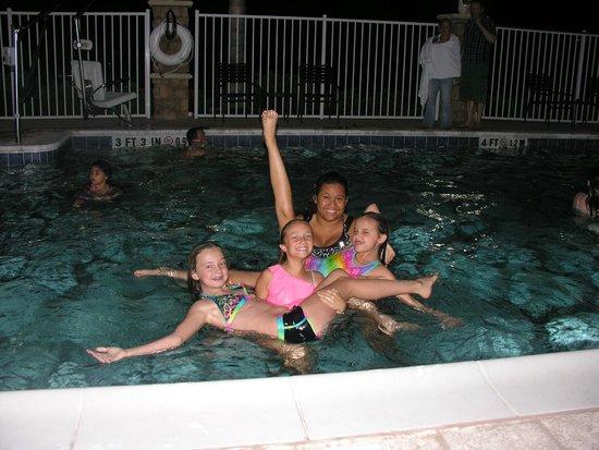 Holiday Inn Titusville Kennedy Space Center: kids enjoying pool