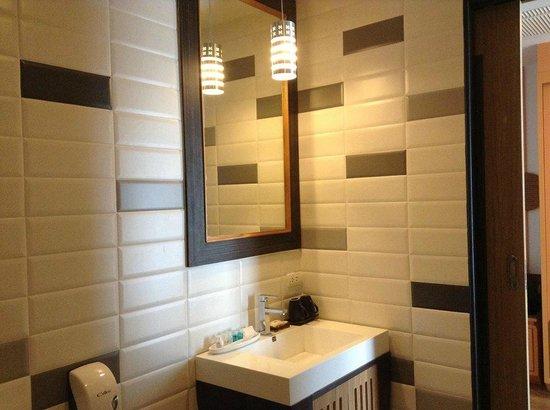 Prajaktra Design Hotel : ห้องน้ำครับ กว้างดี
