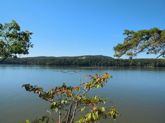 Staatsburgh State Historic Site / Mills Mansion: View of Hudson from Norrie Point