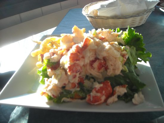 The Pilot House Restaurant & Lounge: Lobster roll