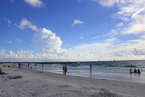 Pelican Pointe Hotel and Resort : Clearwater Beach