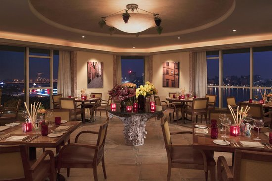 Four Seasons Hotel Cairo at the First Residence: STRADA Restaurant