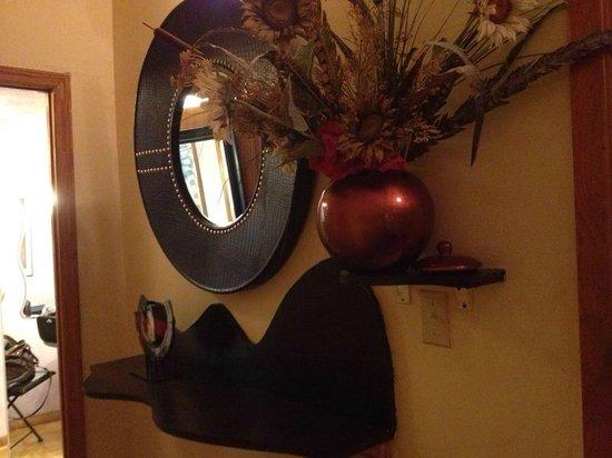 The International Cozy Inn: Corridoio