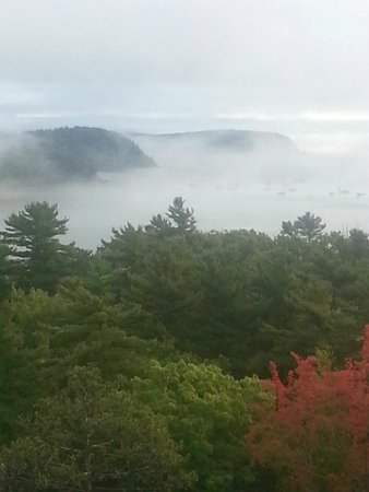 Bluenose Inn - A Bar Harbor Hotel : Still a beautiful view even with clouds. Most days we could watch the sunrise.