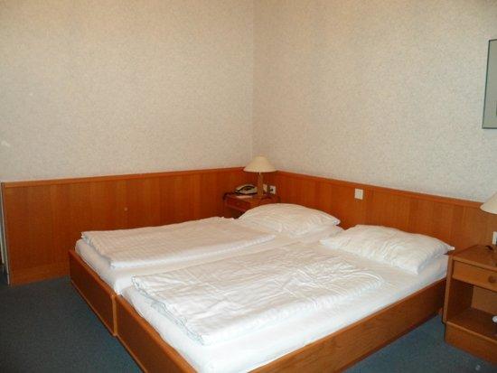 Hotel Zipser: Camera superioe doppia con letti songoli