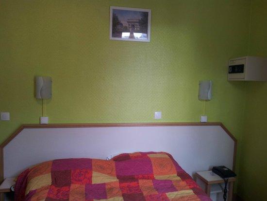 Hotel Audran: Decoração simples mas que te faz lembrar que está em Paris