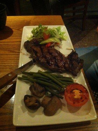 Premier Inn Edinburgh Airport (Newbridge) Hotel: Steak