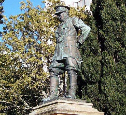 Wanderlust - Cape Town on Foot Walking Tour: General Lukin, commander of SA Forces in Battle of Delville Woods in WW1