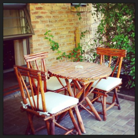 Overmeer Guest House: Private patio