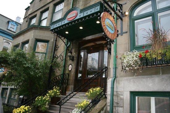 Hotel Chateau Bellevue: L'entrée
