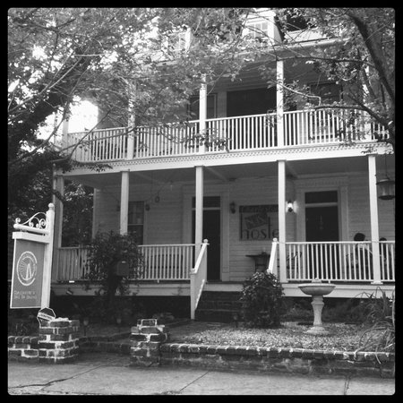 Charleston's NotSo Hostel: The front house at the main location with dorms, privates, porches and more!