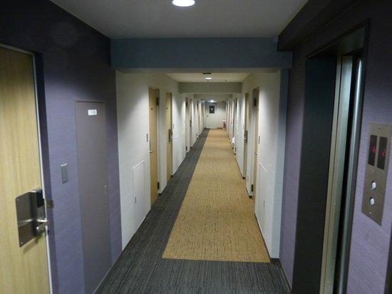 My Stays Asakusabashi : Vista do corredor dos apartamentos do hotel