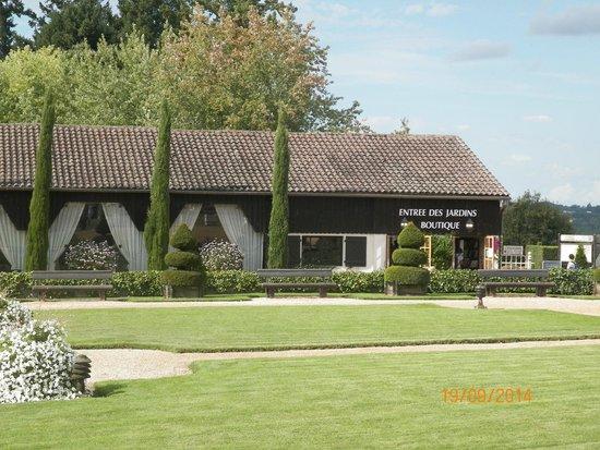 Eyrignac et ses Jardins : vue de l'entrée des jardins d'eyrignac