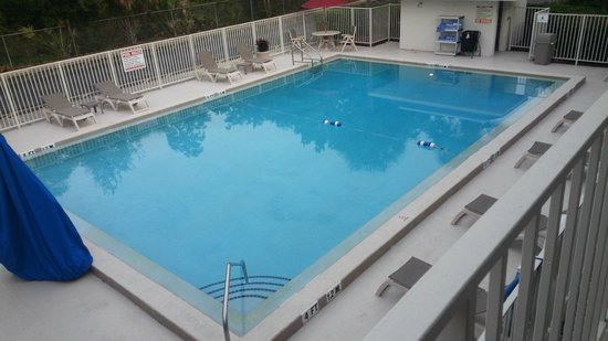 Motel 6 Orlando Kissimmee Main Gate East : The perfect pool