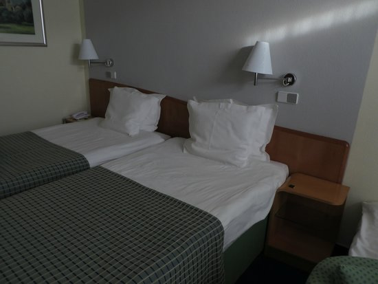 BEST WESTERN Premier Hotel International: Double bed