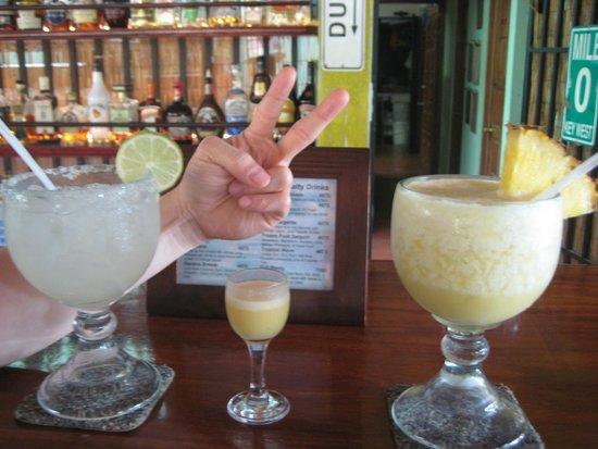 Hotel Bula Bula : Fishbowl drinks