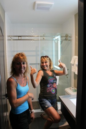 Μαρίνα Ντελ Ρέι, Καλιφόρνια: ma cherie et ma sister