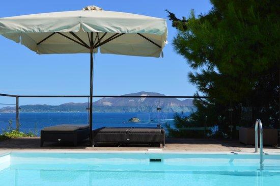 Exensian Villas & Suites : pool view